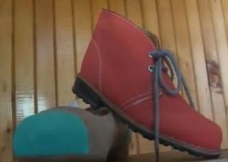 Zapatos fabricados por discapacitados