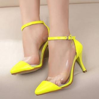 Mujeres y zapatos, estadisticas interesantes