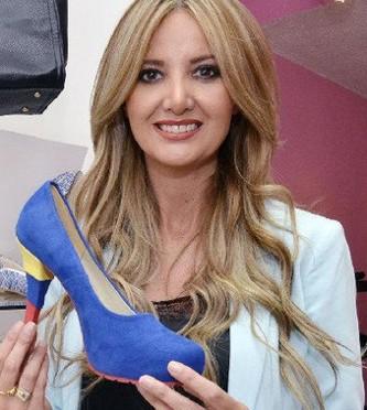 """Zapatos del """"Tri"""" Paulina Anda Ecuador"""