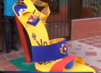 Zapato gigante seleccion Colombia